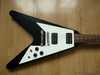 gibson_flying_v_67_ri_blk_002.jpg